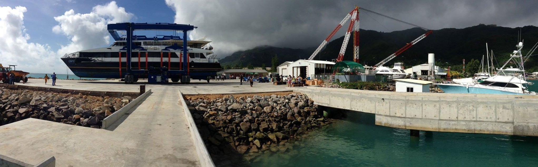 marine-travel-lift-in-seychelles