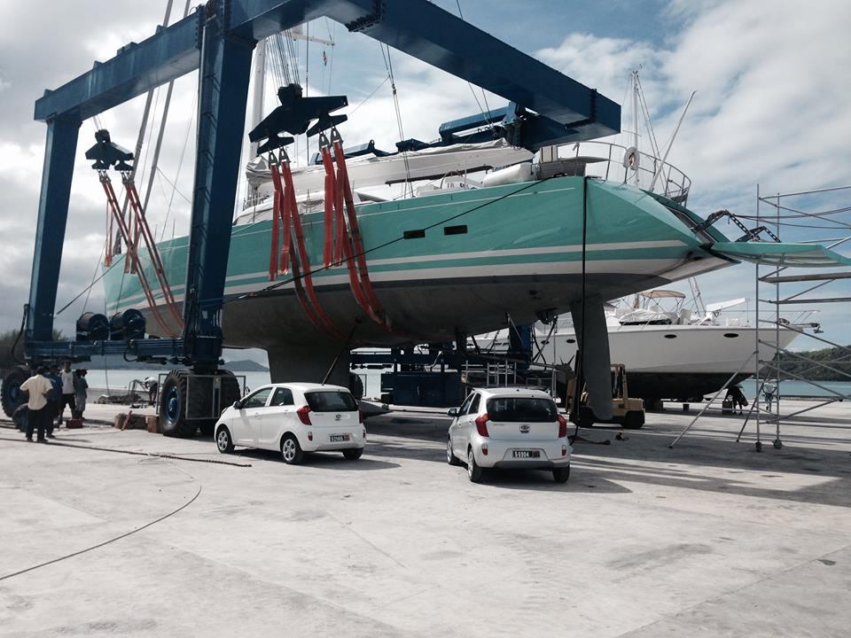 Sailing-Yacht-Gliss